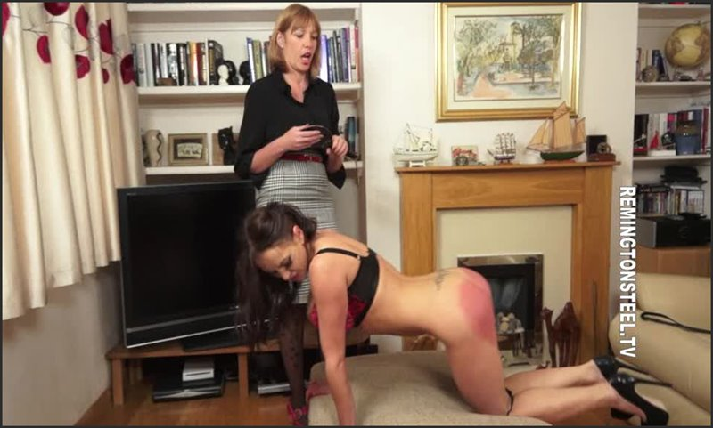 The paddle for Ashley - spankingsarah - SD/WMV