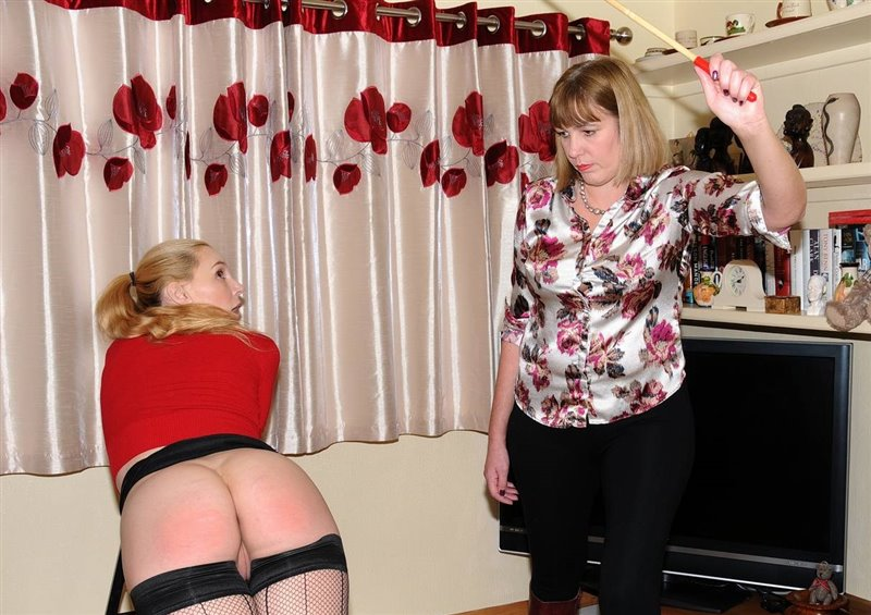 Driving The Lesson Home - spankingsarah - Full HD/MP4 - image1