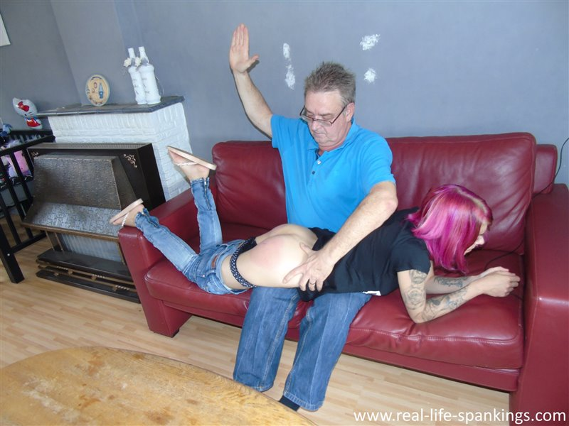 sidney's discipline session - 22.08.2018 - - real-life-spankings - HD/WMV - image1