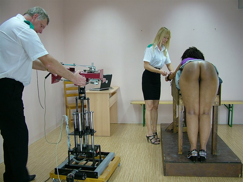 Danielle - thespankingmachine - HD/WMV - image1