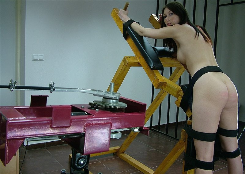 Katie Gold - thespankingmachine - LQ/WMV - image1